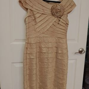 SIZE 14 GORGEOUS CHAMPAGNE COCKTAIL DRESS